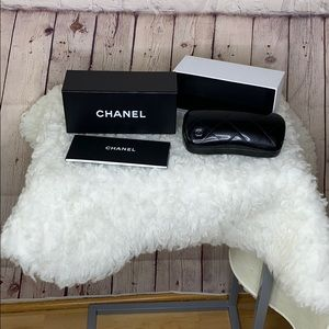 Chanel sunglasses case and box never used